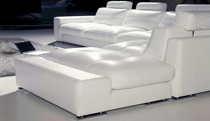 Grande divano angolare firenze for Divani in vera pelle